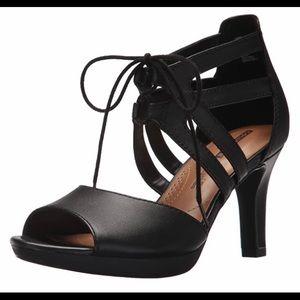 Clarks Adriel Elaina heels